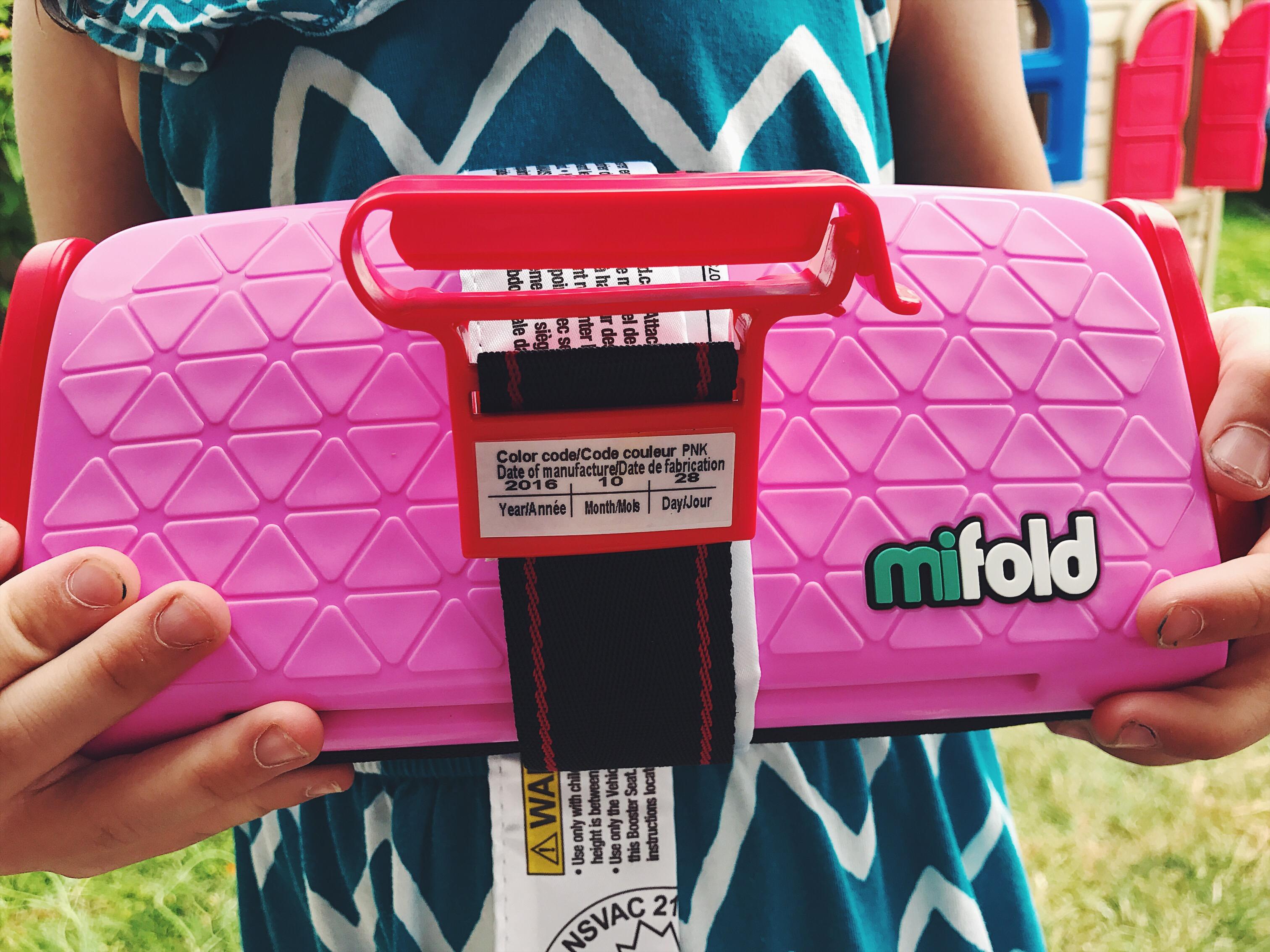 Car seat booster, small, portable car seat, Mifold booster, Mifold car seat, dad blog, Canada blogger, daddy blogger, Vancouver blogger, social dad, James smith, James RC smith