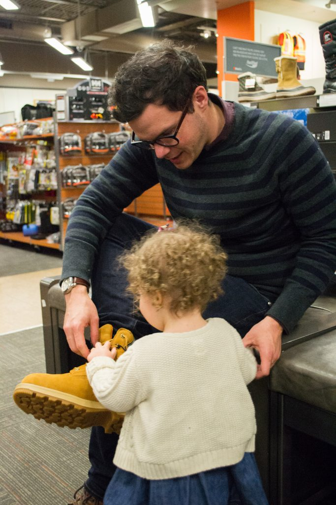Dad Blog, boots shopping, best winter boots, where to buy snow boots, vancouver, dad blogger, james r.c. smith, socialdad, vancouver blogger, canadian bloggers, best dad bloggers, top dad bloggers